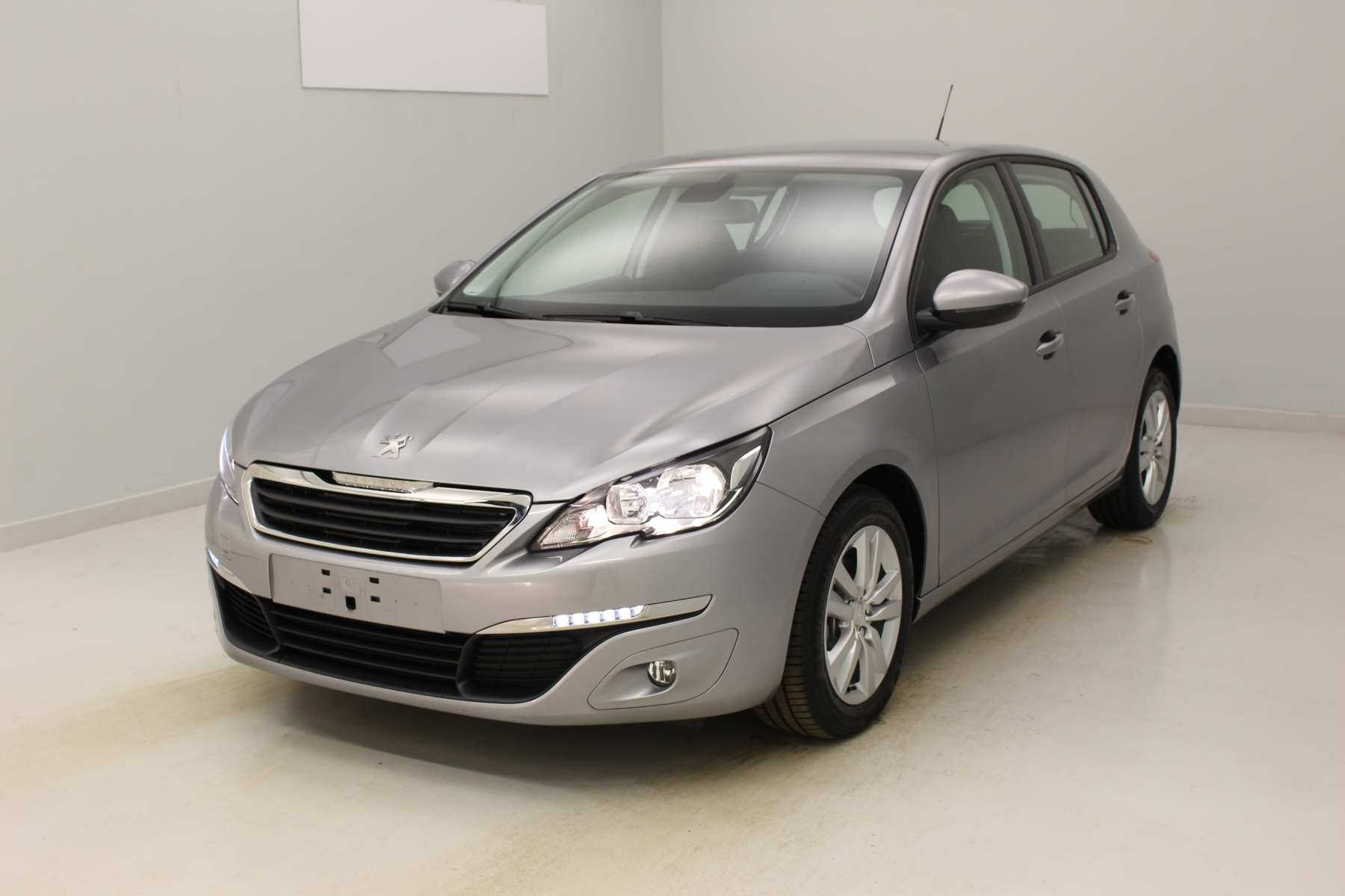 PEUGEOT 308 1.6 BlueHDi 120ch S&S BVM6 Active Gris Artense  + Navigation avec options