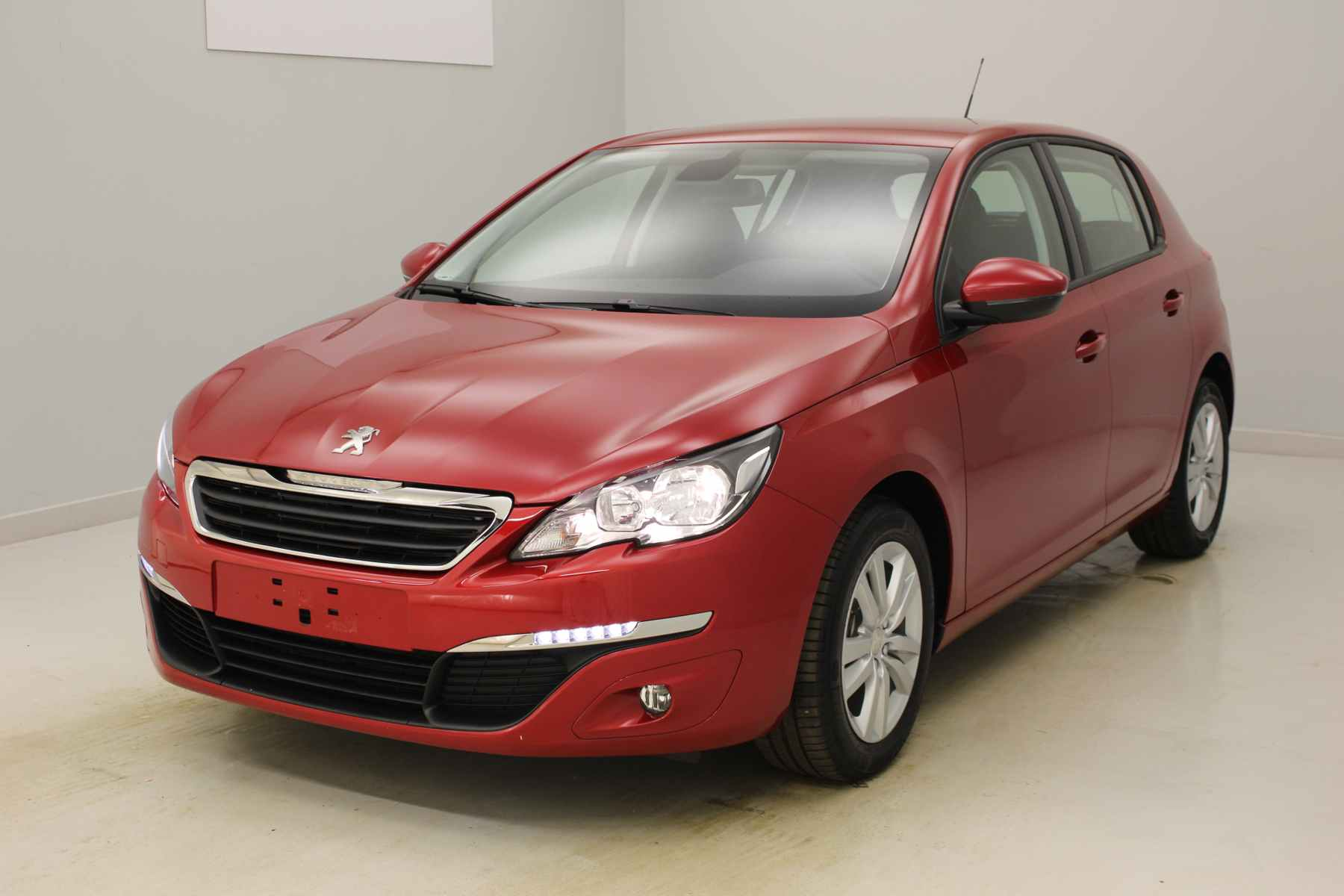 PEUGEOT 308 1.6 BlueHDi 120ch S&S BVM6 Active Rouge Ultimate + Navigation avec options