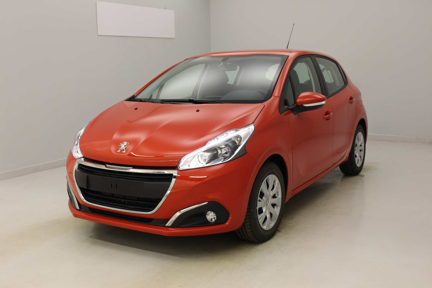 PEUGEOT 208 1.2 PureTech 82ch BVM5 Allure Orange Power + Navigation + Roue de secours + Extension de garantie 3 ans avec options
