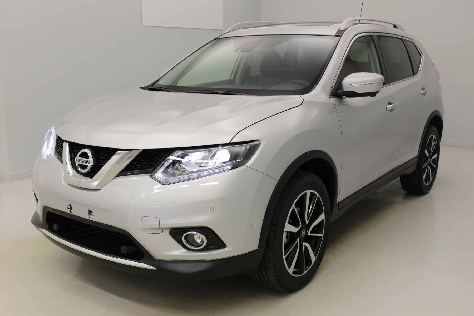 NISSAN X-Trail 1.6 dCi 130 Euro 6 7pl All-Mode 4x4-i Tekna Gris Argent avec options
