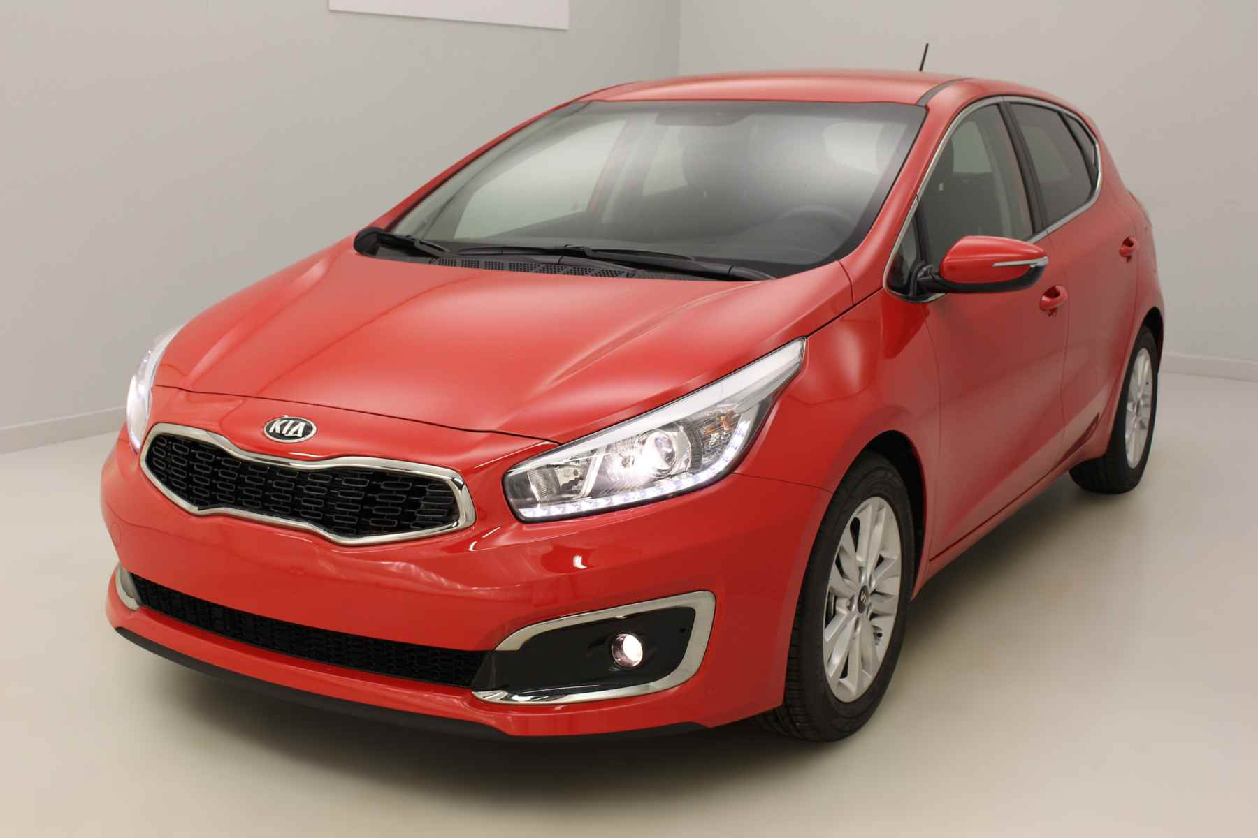 KIA Ceed 1.0 T-GDI 120 ch ISG Active Rouge Racing + Roue de secours avec options