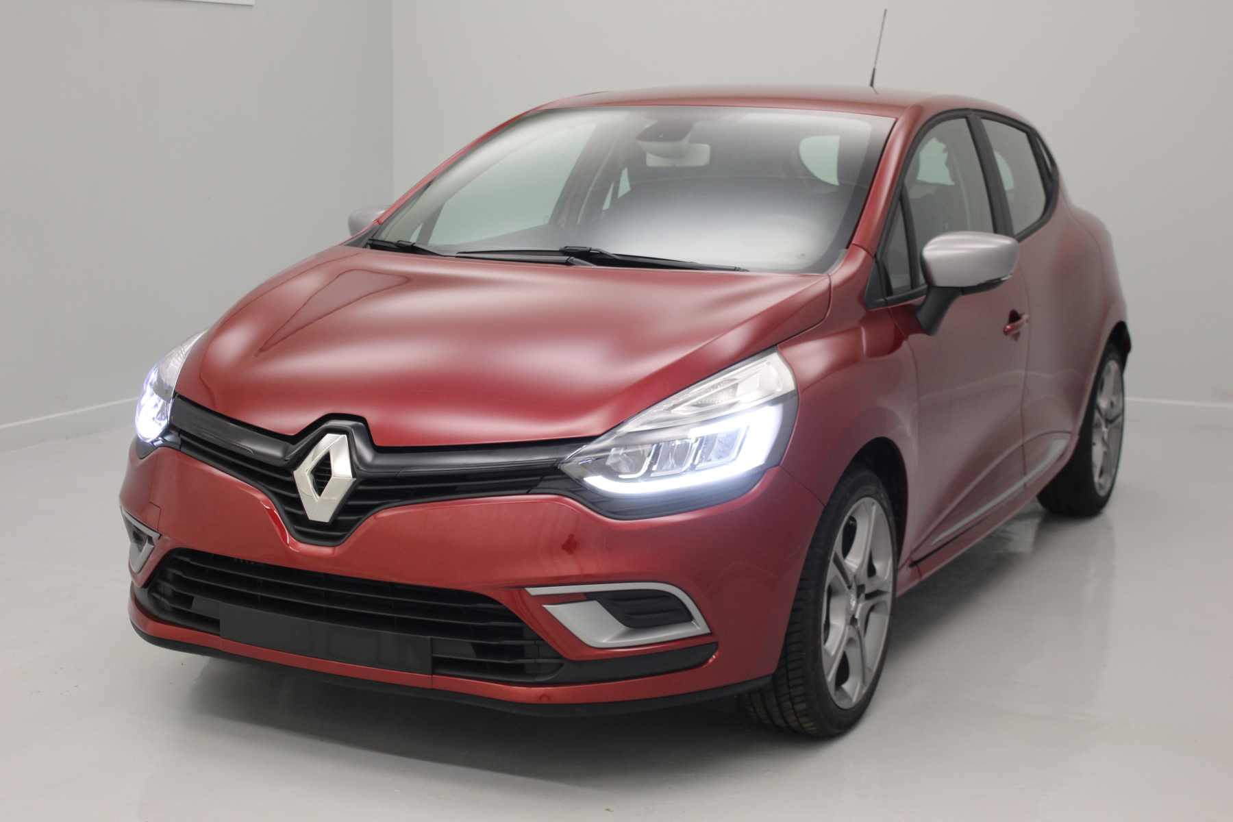 RENAULT Clio IV Nouvelle TCe 90 Energy Intens + Full Pack GT-Line - Rouge Intense avec options
