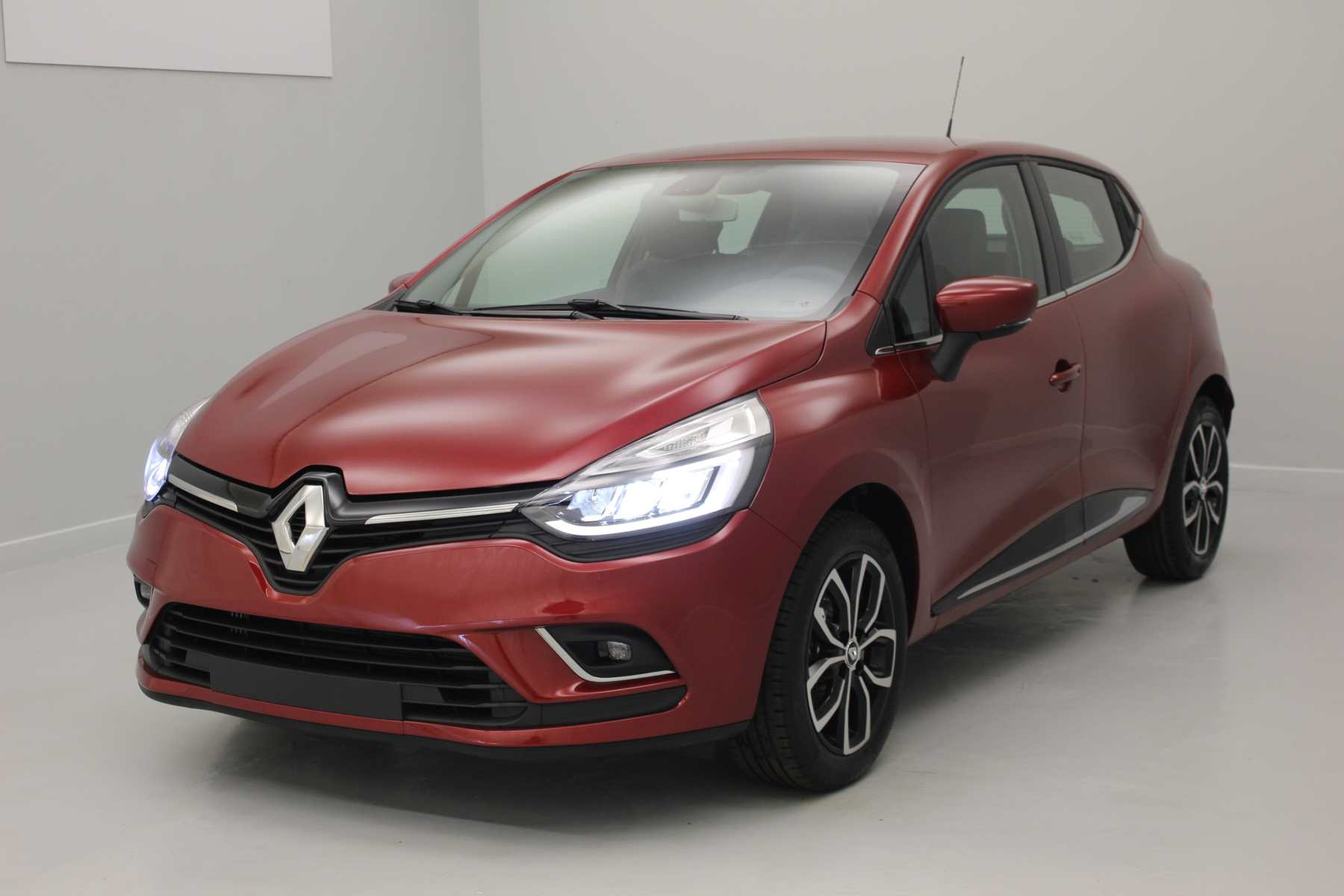RENAULT Clio IV Nouvelle TCe 120 Energy Intens EDC - Rouge Intense avec options