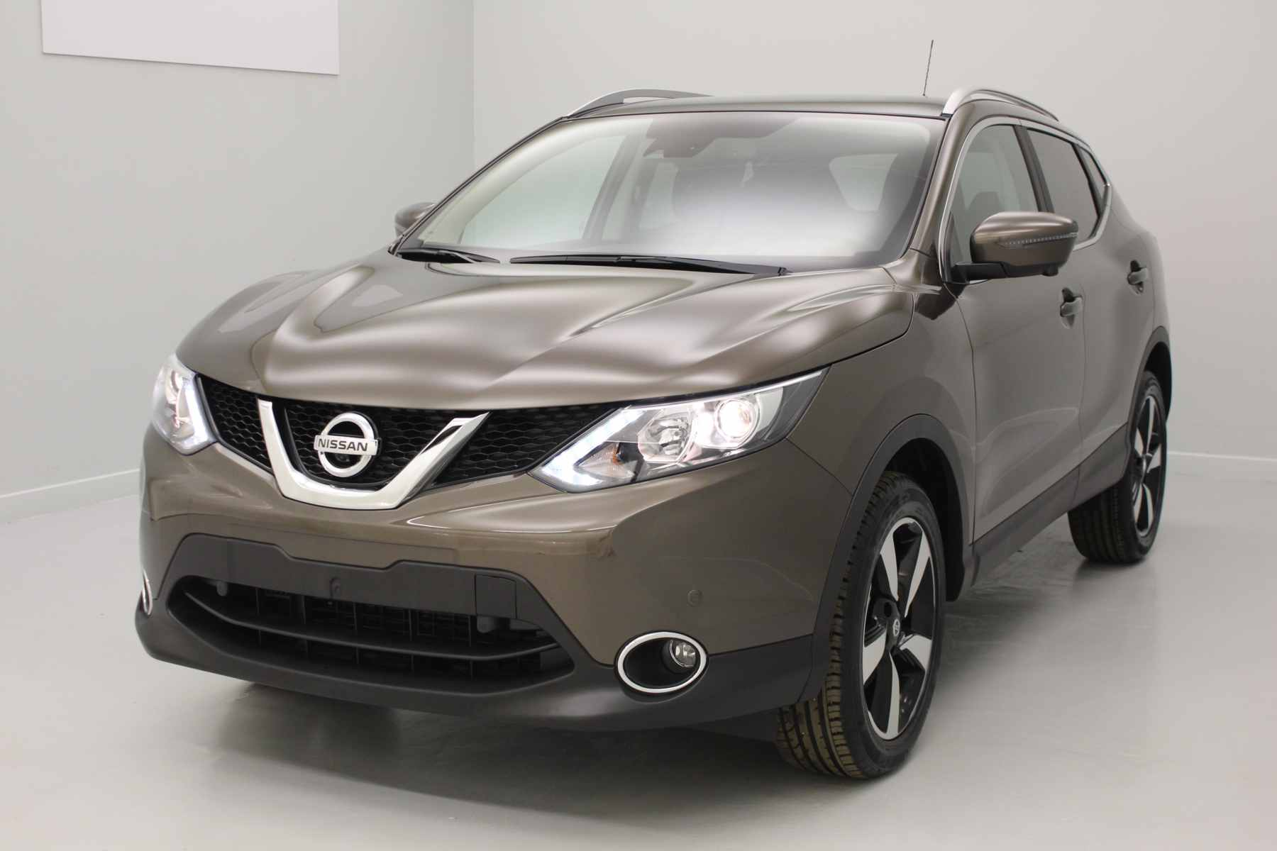 mandataire auto nissan qashqai cologique. Black Bedroom Furniture Sets. Home Design Ideas