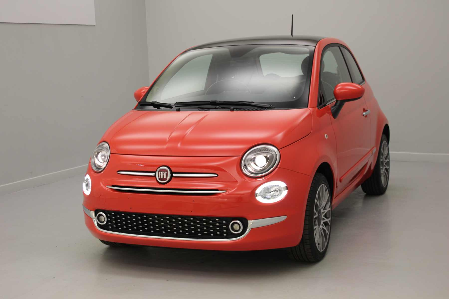FIAT 500 1.2 69 ch Lounge Eco Pack Coral Red + Climatisation automatique avec options