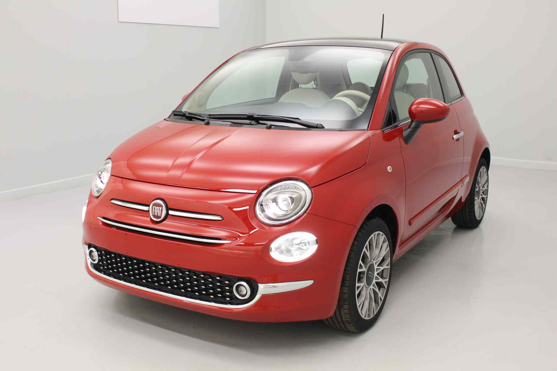 FIAT 500 1.2 69 ch Lounge Eco Pack Pasodoble Red + Climatisation automatique + Jantes 16'' Spider avec options