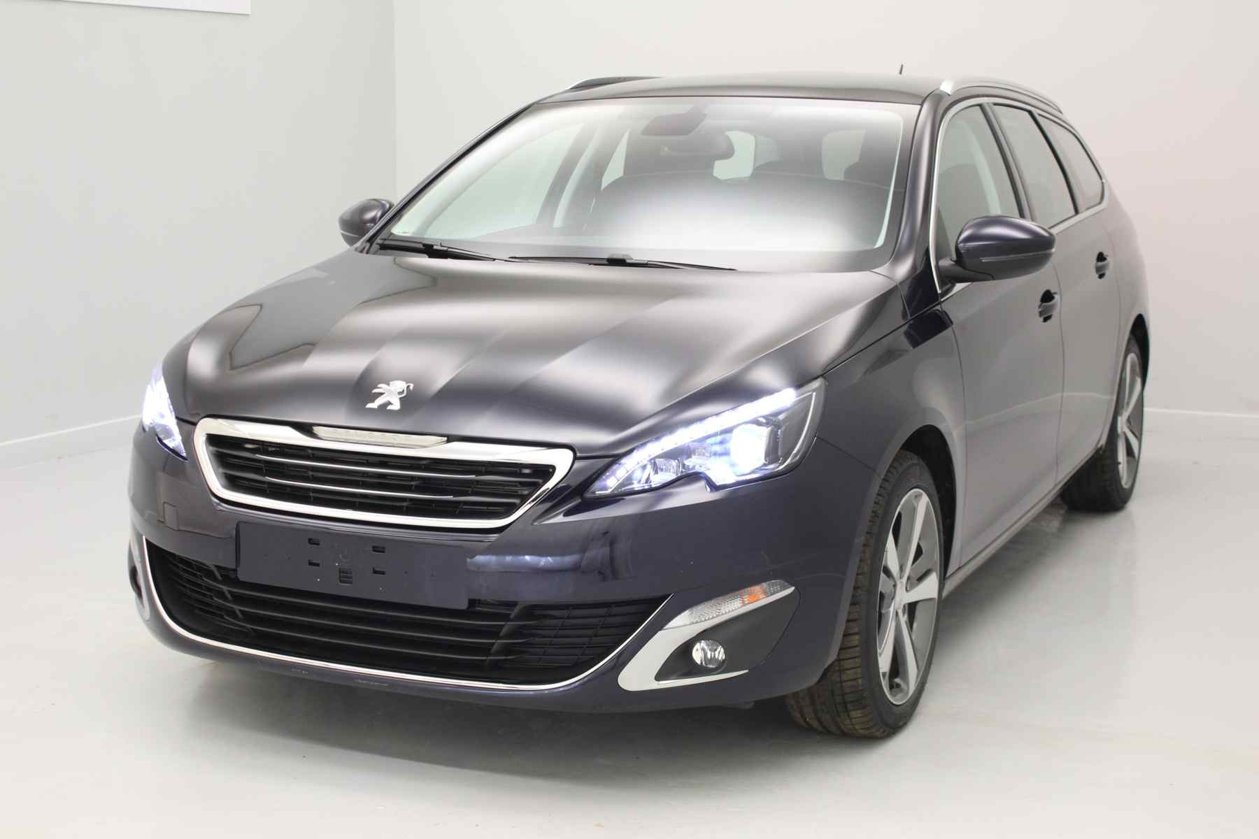 PEUGEOT 308 SW 1.6 BlueHDi 120ch S&S BVM6 Allure Dark Blue+ Toit panoramique avec options