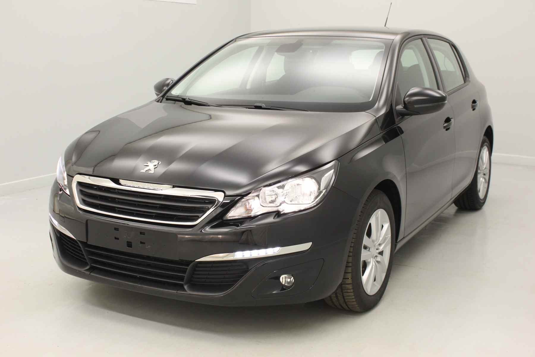 PEUGEOT 308 1.6 BlueHDi 120ch S&S BVM6 Active Noir Perla Nera + Navigation avec options