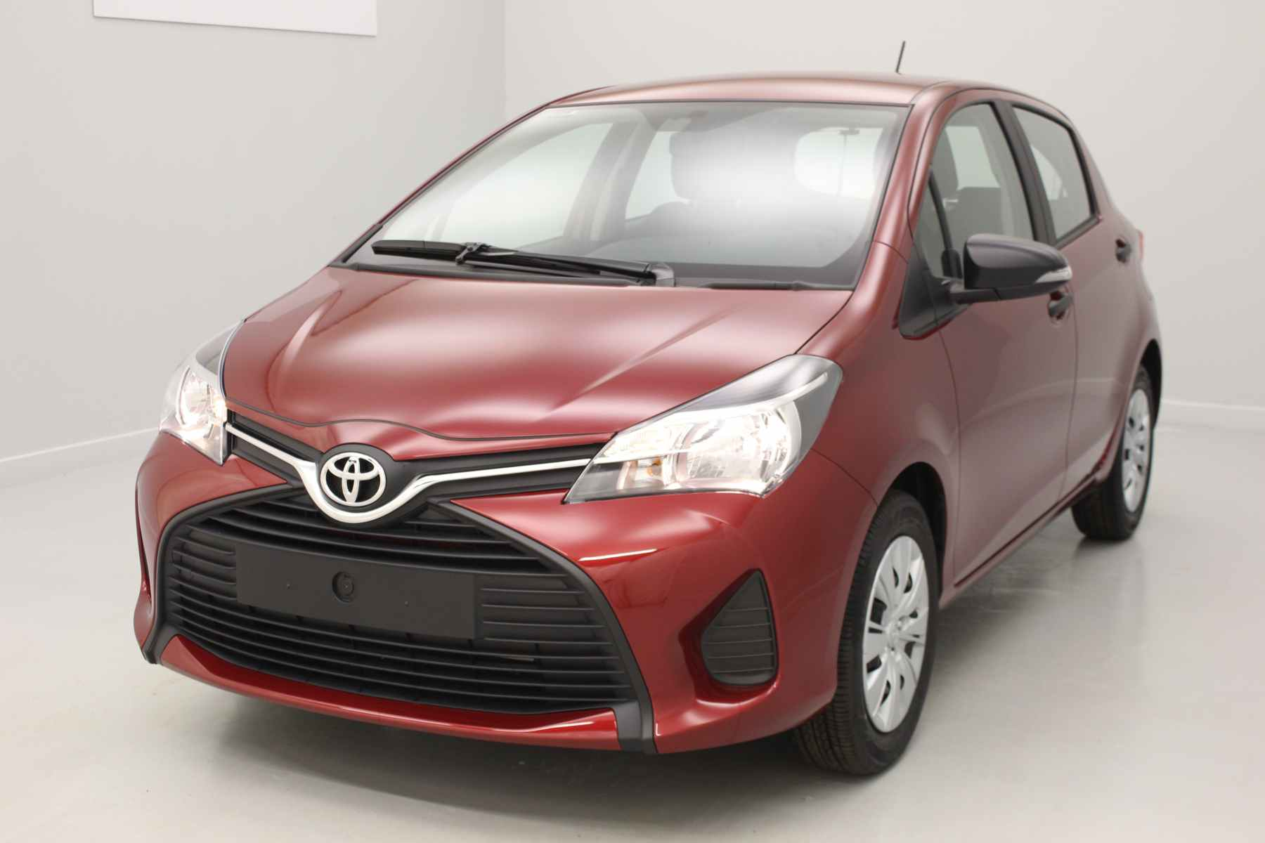 TOYOTA Yaris 69 VVT-i Active Rouge Allure + Climatisation manuelle avec options