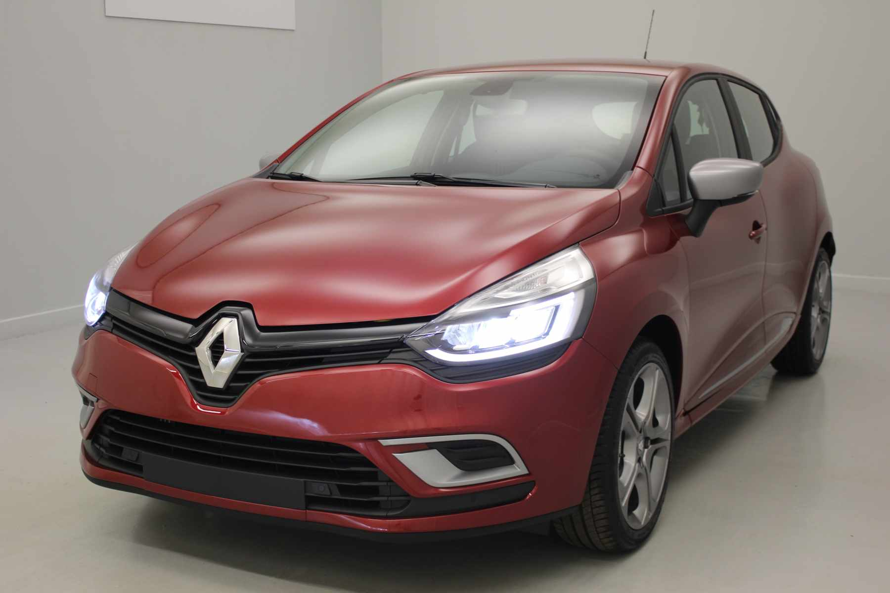 RENAULT Clio IV Nouvelle Clio TCe 90 Energy Intens Rouge Intense + Full Pack GT-Line + Roue de secours + Pack Techno avec options