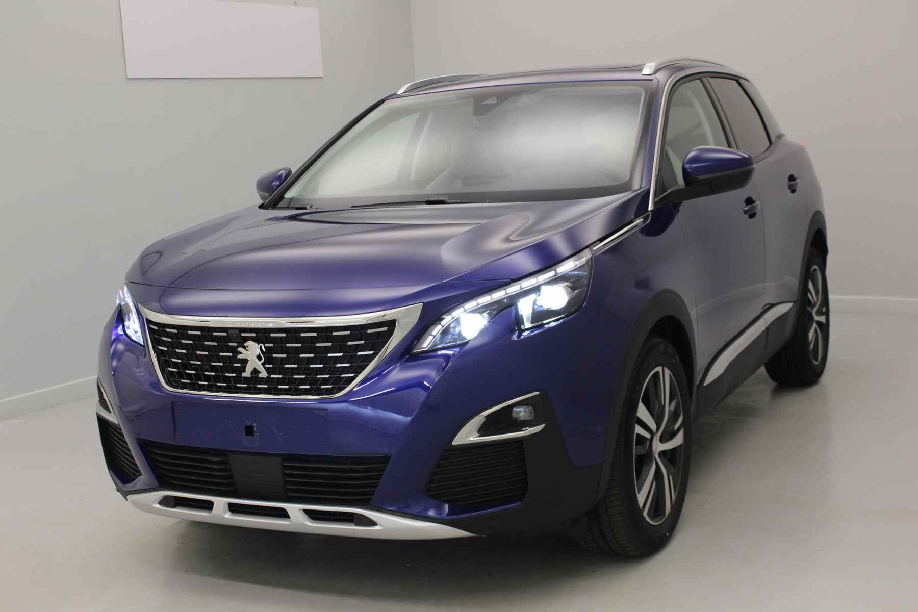 PEUGEOT 3008 Nouveau 2.0 BlueHDi 150ch S&S BVM6 Allure Bleu Magnétic + Toit panoramique + i-Cockpit Amplify avec options