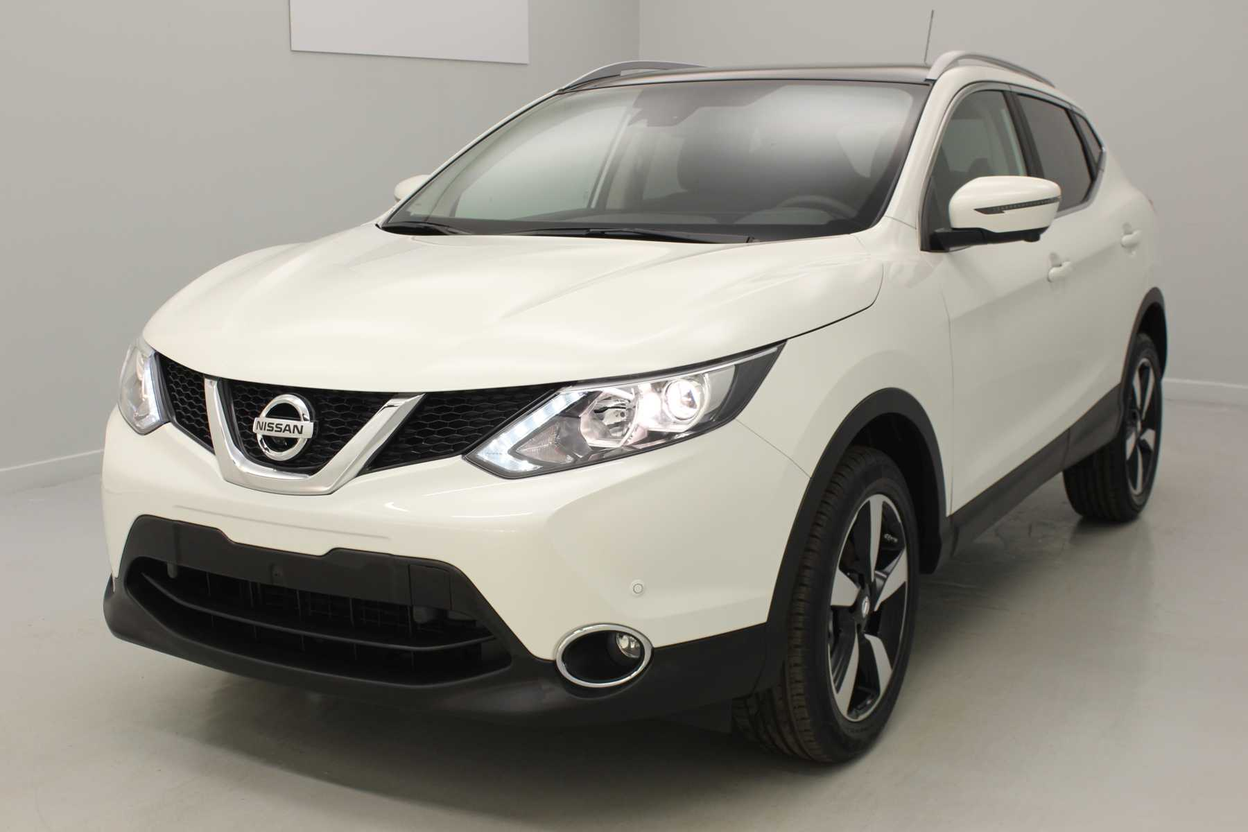 NISSAN Qashqai 1.5 dCi 110 N-Connecta Blanc Lunaire + Pack Design avec options