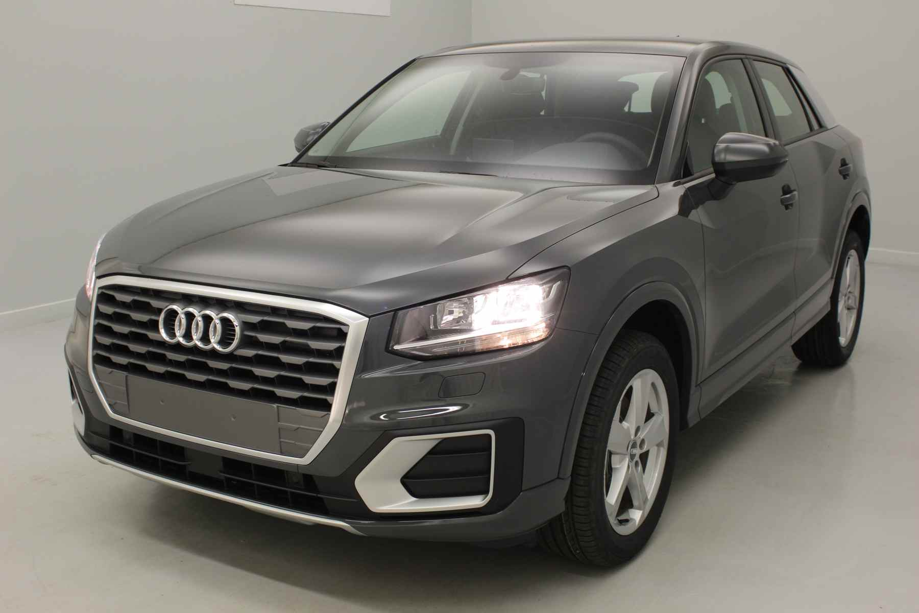 AUDI Q2 1.4 TFSI COD 150 ch BVM6 Sport Gris Nano + Navigation + Audi Parking System Plus + Caméra avec options