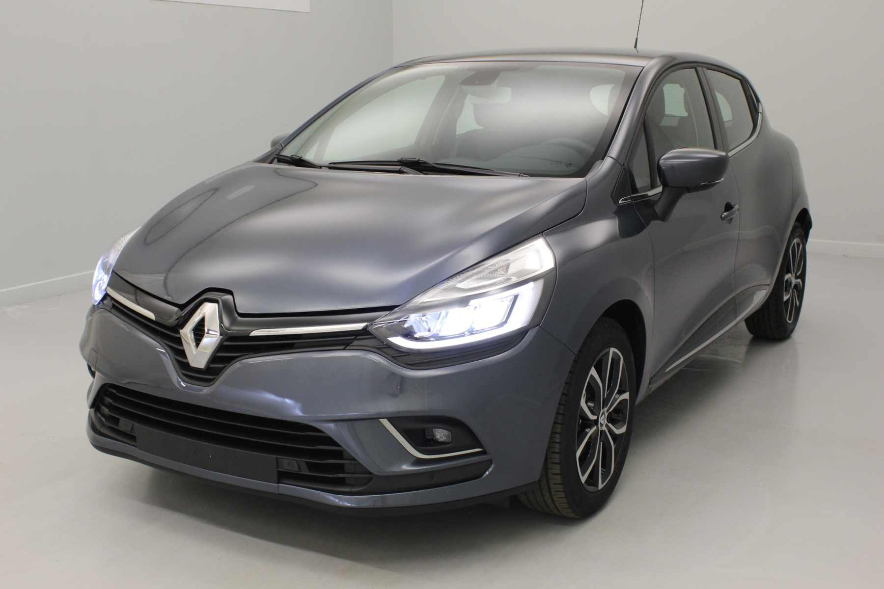 RENAULT Clio IV Nouvelle dCi 90 Energy Intens EDC Gris Titanium  + Pack City Plus avec options