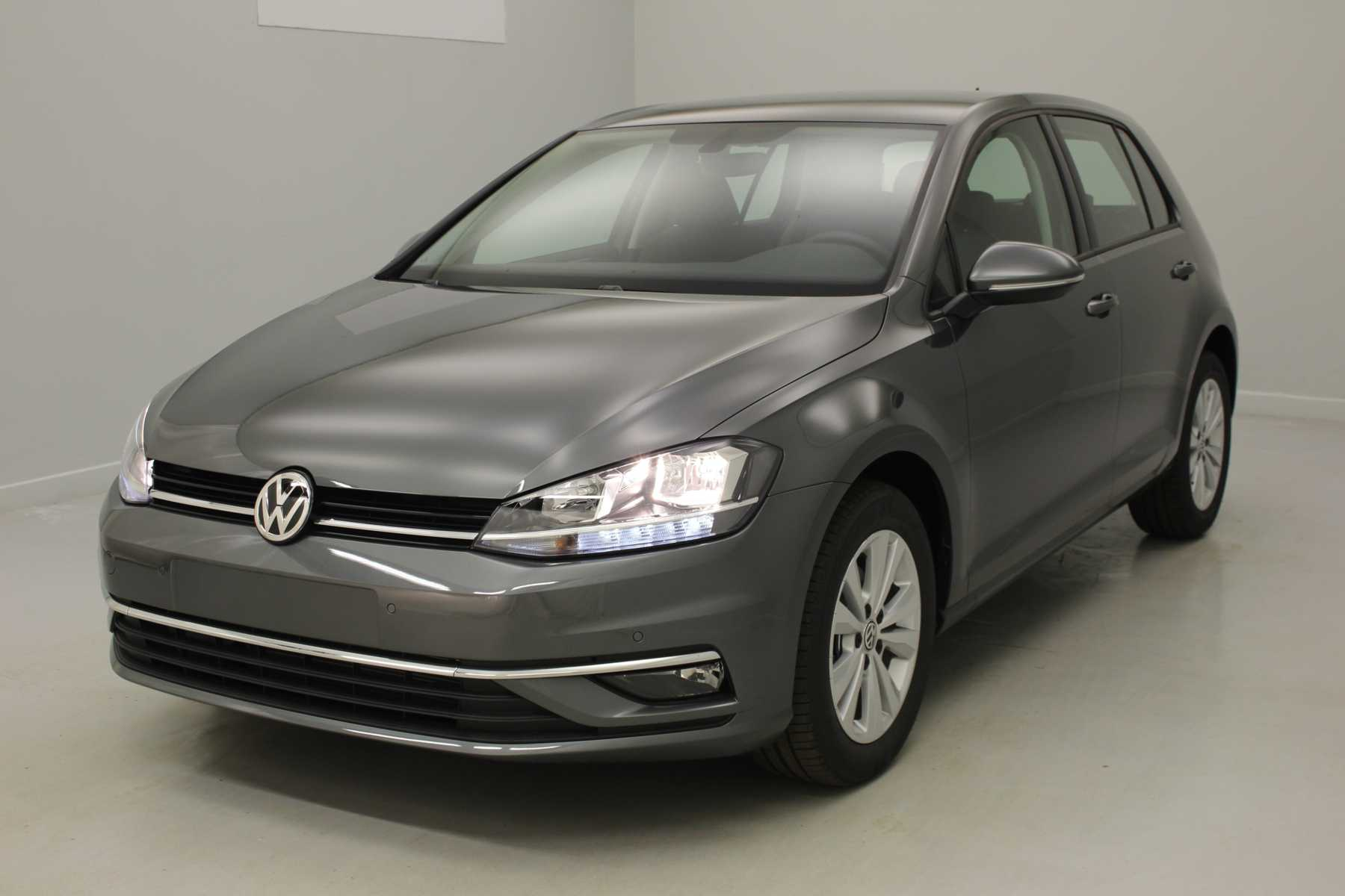 VOLKSWAGEN Golf Nouvelle 1.6 TDI 115 BlueMotion Technology FAP Trendline Gris Indium + GPS + Climatisation automatique avec options