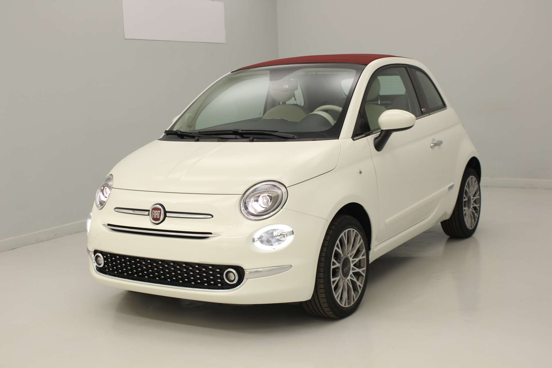 mandataire auto fiat 500 cabriolet. Black Bedroom Furniture Sets. Home Design Ideas