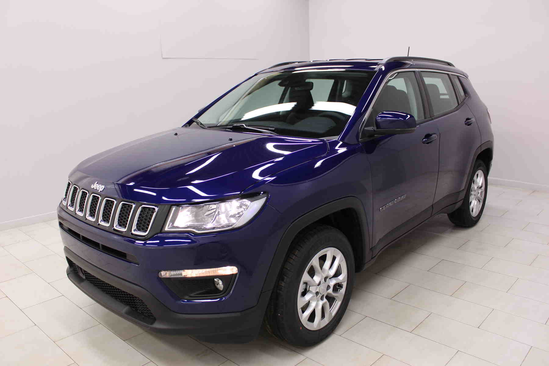 Acheter JEEP Compass 1.6 I MultiJet II 120 ch BVM6 Longitude Jet Set Blue + Pack Business avec options chez un mandataire auto
