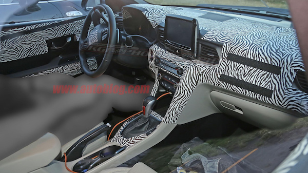 hyundai veloster camoufl e en vid o auto. Black Bedroom Furniture Sets. Home Design Ideas
